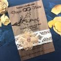 Inviatie de nunta gravata pe lemn de nuc