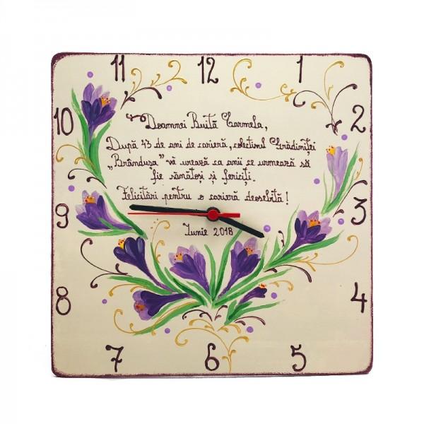 Ceas pictat cadou pensionare cu Flori Branduse