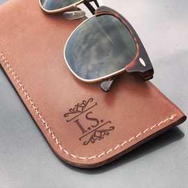 Toc de ochelari din piele personalizat