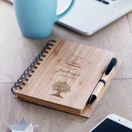 Agenda personalizata cu coperta lemn