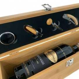 Accesorii si sticla vin in cutie lemn bambus